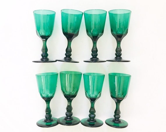 collection of 8 ornate emerald green glass champagne wine glass goblets / depression glass set
