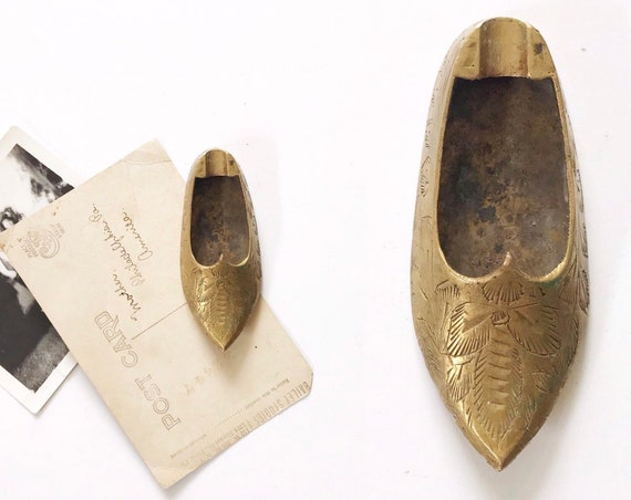 vintage etched solid brass slipper shoe paperweight / little girl shoe ashtray