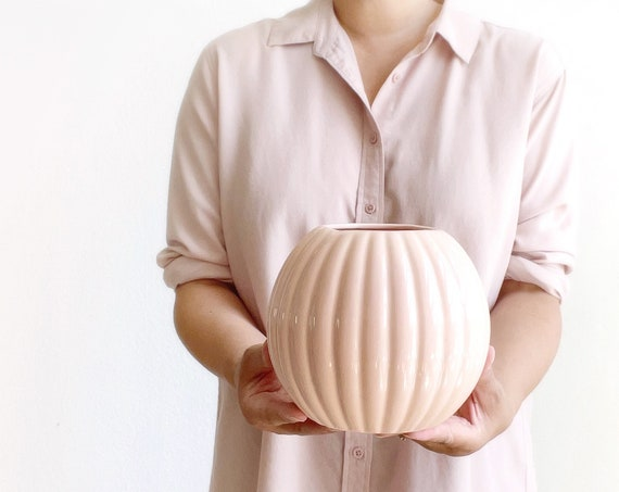 pink ribbed orb ball flower vase pot