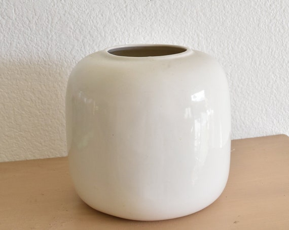mid century modern solid white ceramic vase / flower pot / plant holder