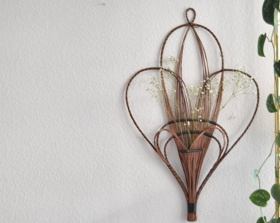 vintage boho wall hanging woven wicker heart basket / wall pocket planter / farmhouse decor