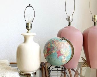 white 1980s modern ceramic table lamp