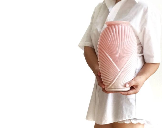 large vintage pink 1980s Art Deco glass flower vase | shell pattern