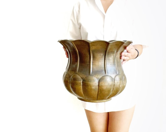 Italian large vintage rustic hammered solid brass pot planter with scallop pattern