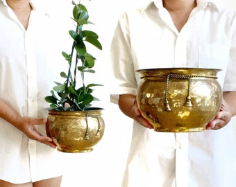 vintage brass planter with decorative ribbon / indoor gardening / regency