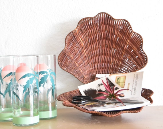 woven wicker clam seashell basket / office business card note holder