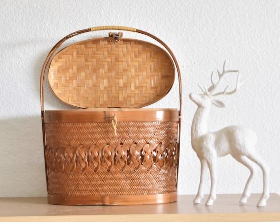 mid century modern woven rattan basket hand bag /  decorative shoulder purse