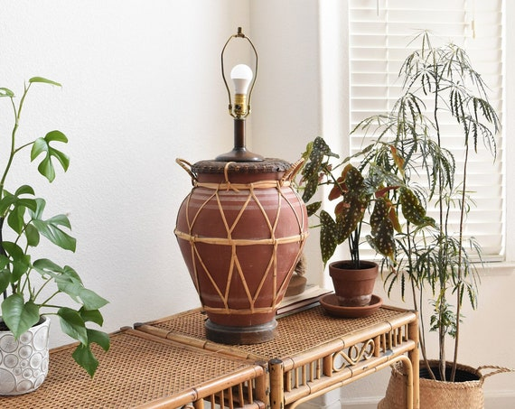 extra large woven straw terra cotta table lamp | clay lamp