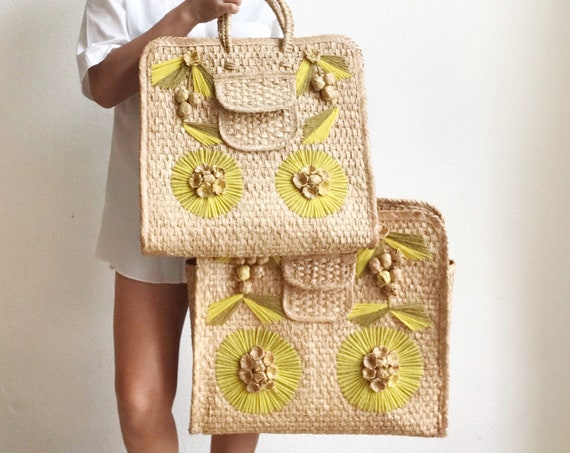 1970s woven straw basket hand bag / messenger travel summer bag
