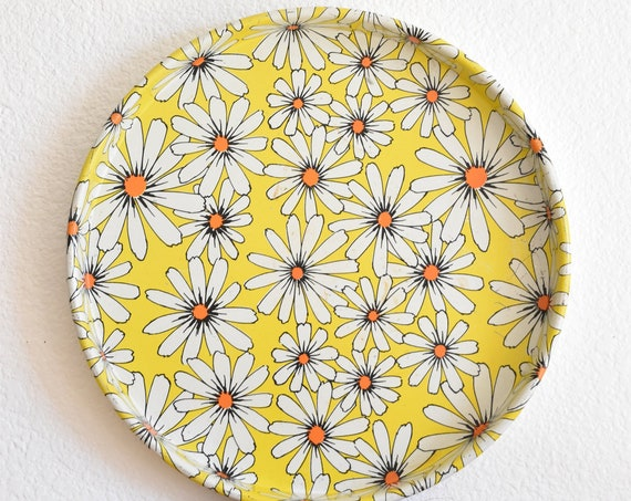 decorative yellow white daisy flower metal round tin plate serving tray / wall hanging plate