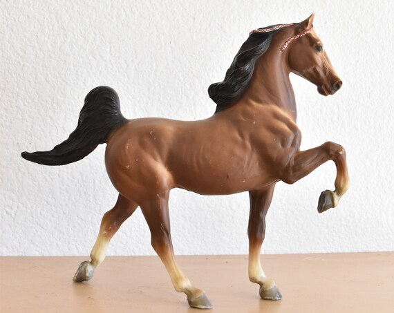 collectible vintage brown breyer prancing stallion horse figurine toy | traditional pony