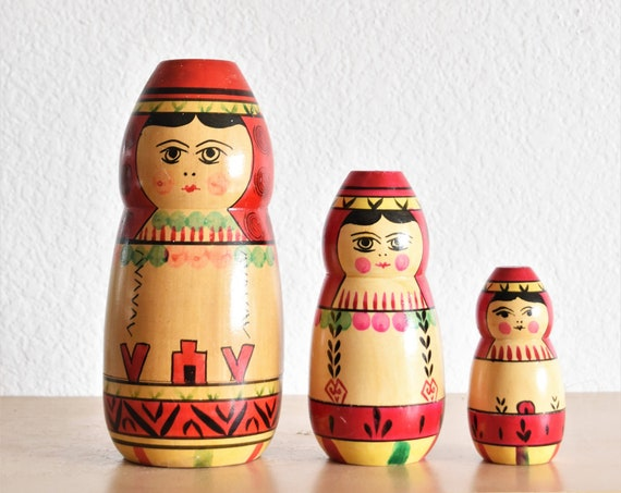 large set of 3 russian matryoshka wooden nesting dolls / red old fashion carved toys