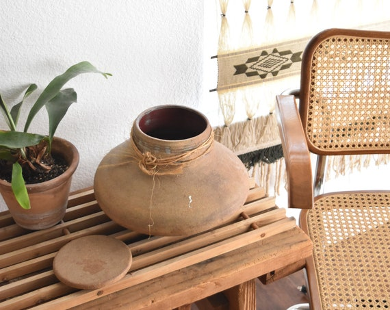 terra cotta red clay mexican pottery pot with lid | flower pot vase