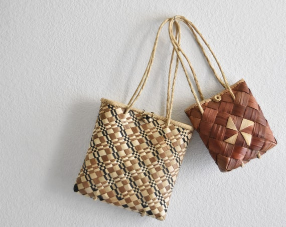 brown woven straw boho shoulder hand bags / market tote