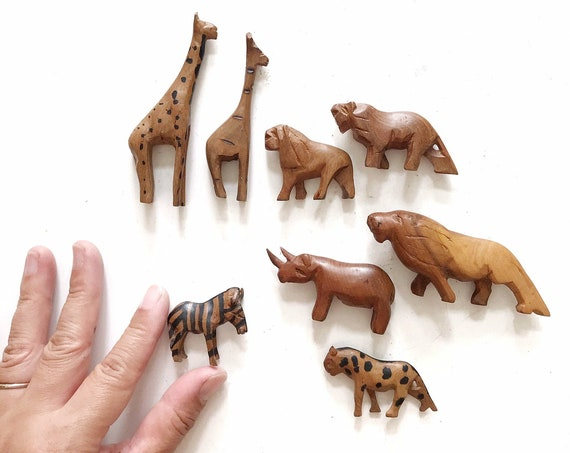 miniature hand carved african safari animal figurines | zoo mini sculptures