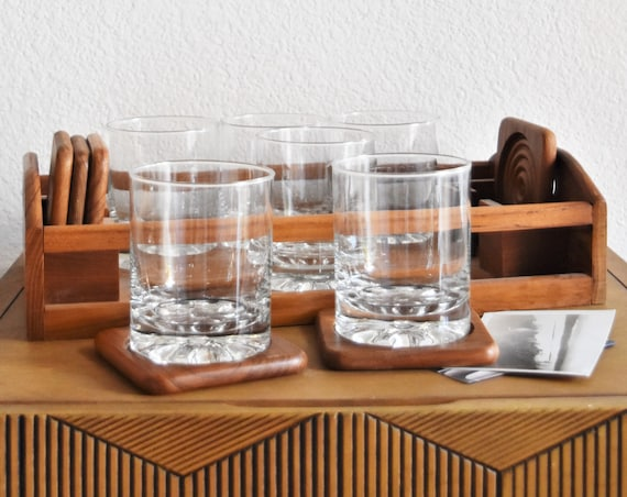 mid century modern drinking cocktail glasses with teak wood serving tray and coasters / tumbler juice glass cup set with wooden holder