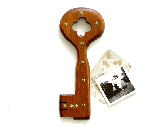 1970s vintage wooden wall hanging key storage holder organizer
