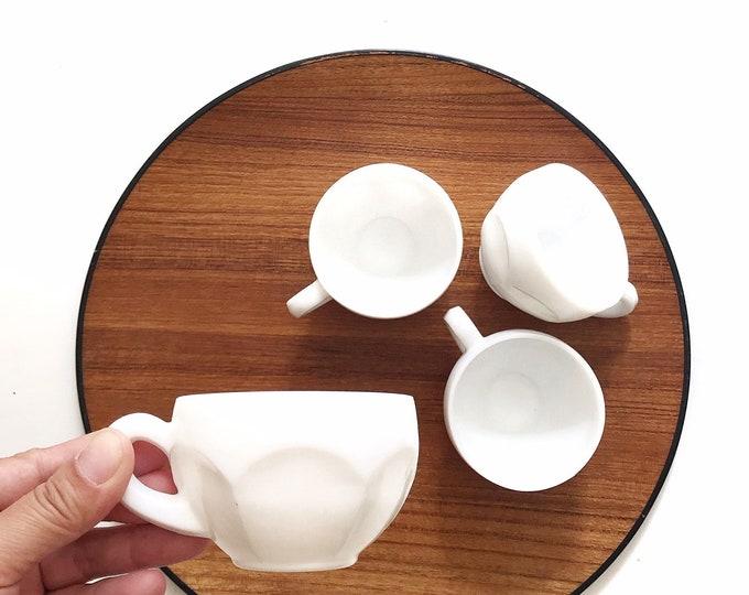 minimalist white milk glass drinking teacups / coffee mugs set of 4