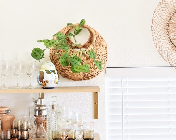 farmhouse vintage woven wicker wall hanging basket with pocket planter
