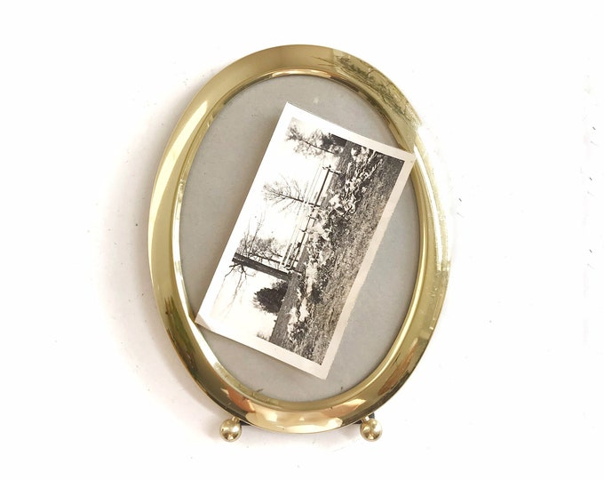 vintage solid brass oval picture frame / standing easel / 1 single small frame