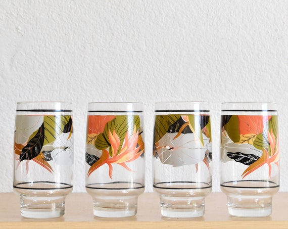 gorgeous mid century modern bird of paradise glass juice drinking water cups | lilypad flower floral design set