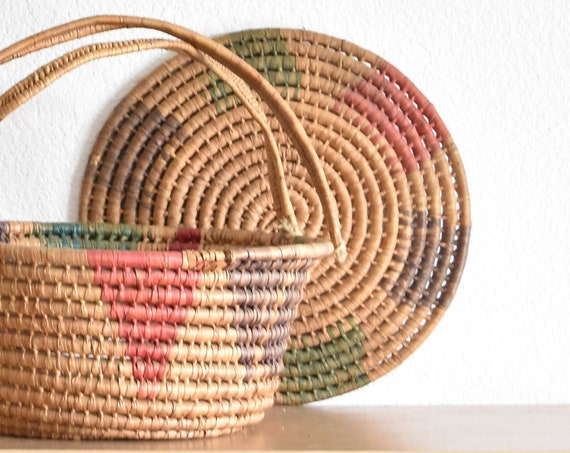 pink woven straw wicker box with lid and handles | picnic basket