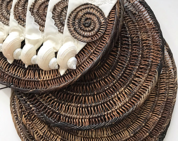 brown seashell circle shaped boho woven straw wall hanging basket serving placemats / set of 6 trivets