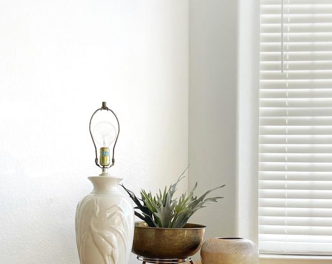harris pottery off white mid century modern table lamp with crane bird
