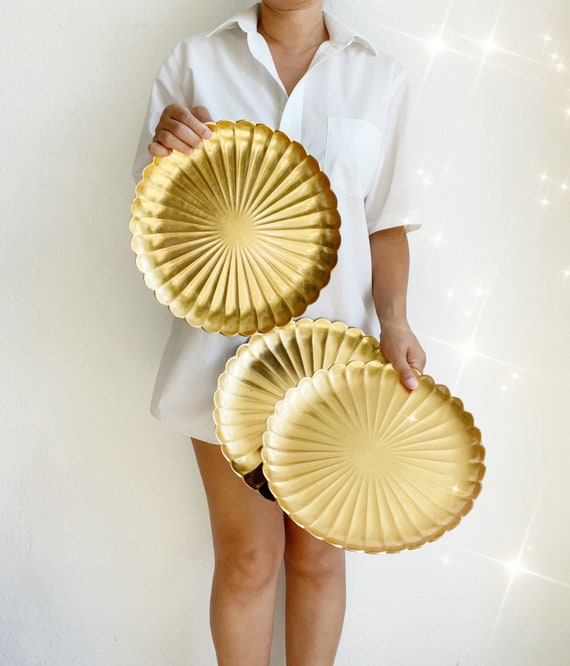 gold asian set of 3 round black plastic serving plate trays