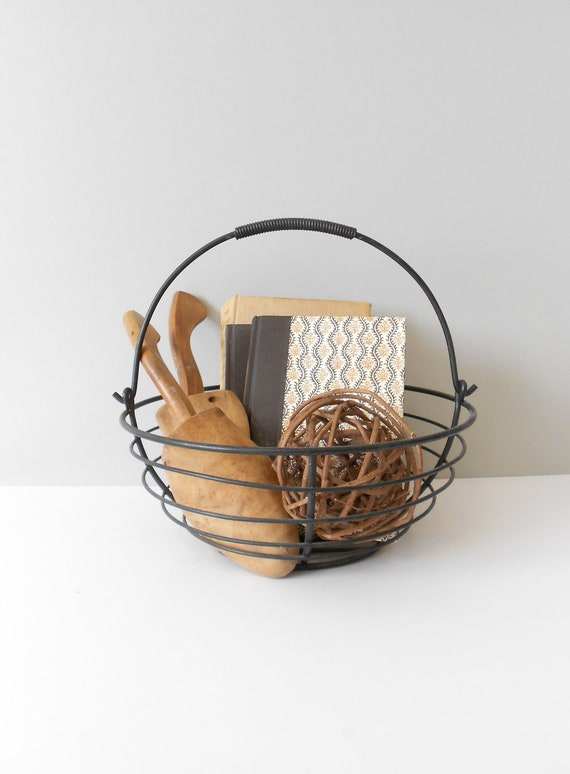 modern industrial black metal round wire basket / minimalist bowl