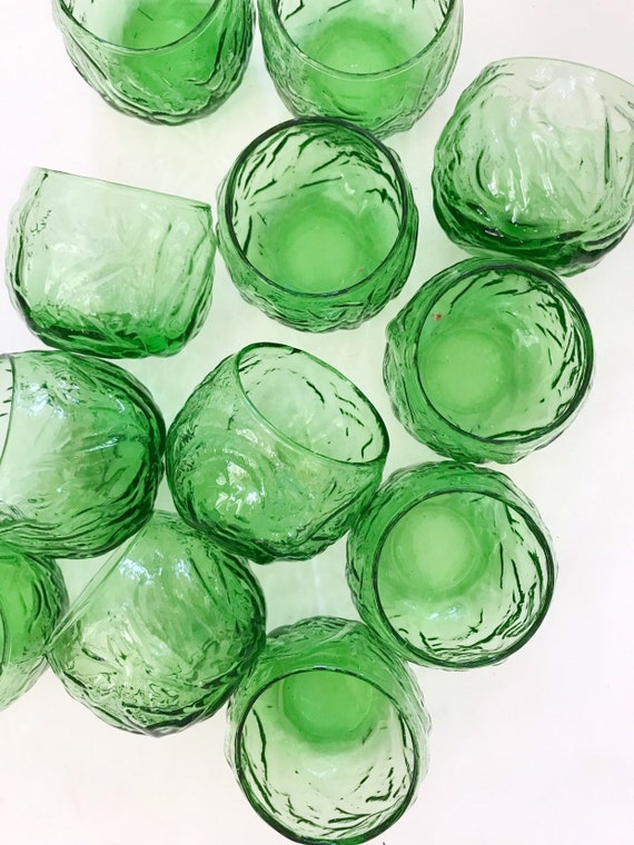 collection of 12 cabbage green glass tumblers | anchor hocking drinking glass set