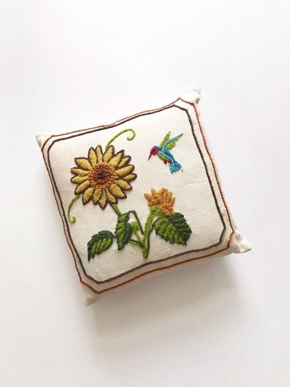 embroidered woven hummingbird flower throw pillow | bird pillow case cover