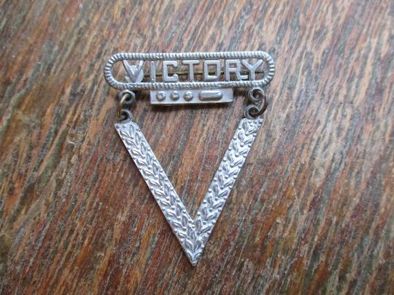 WWII V for Victory Pin Brooch Dot Dot Dot Dash Sil