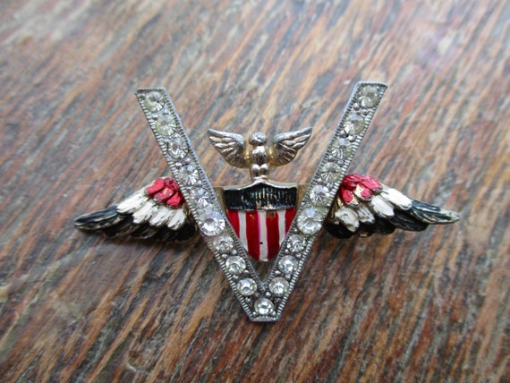 WWII Victory Pin Rhinestone V for Victory Eagle Wi