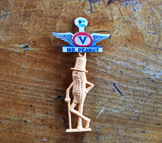 WWII Victory Pin V for Victory Mr. Peanut Victory