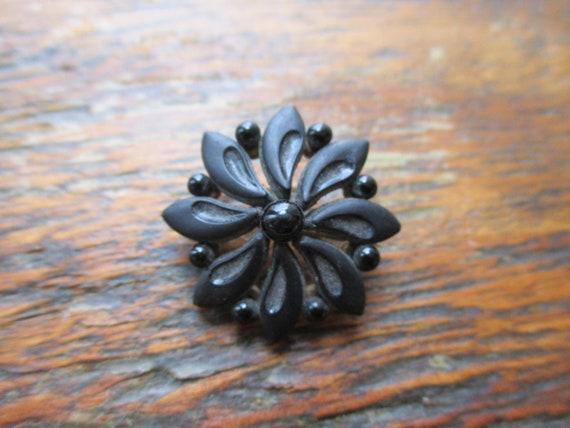 Antique Victorian Mourning Brooch Black Crepe Glas