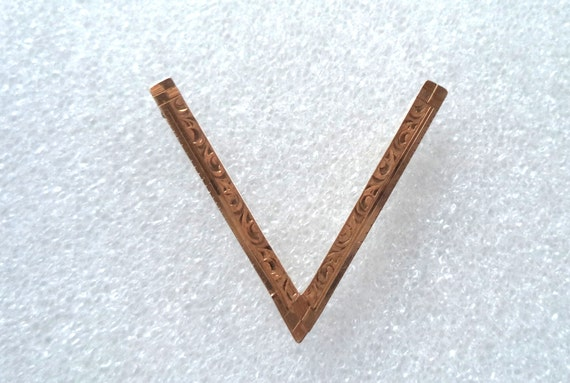 WWII Victory Pin V for Victory Pin Gold Filled Etc