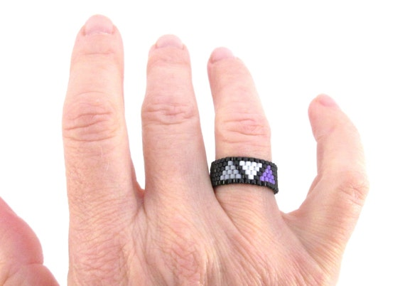Asexual pride ring