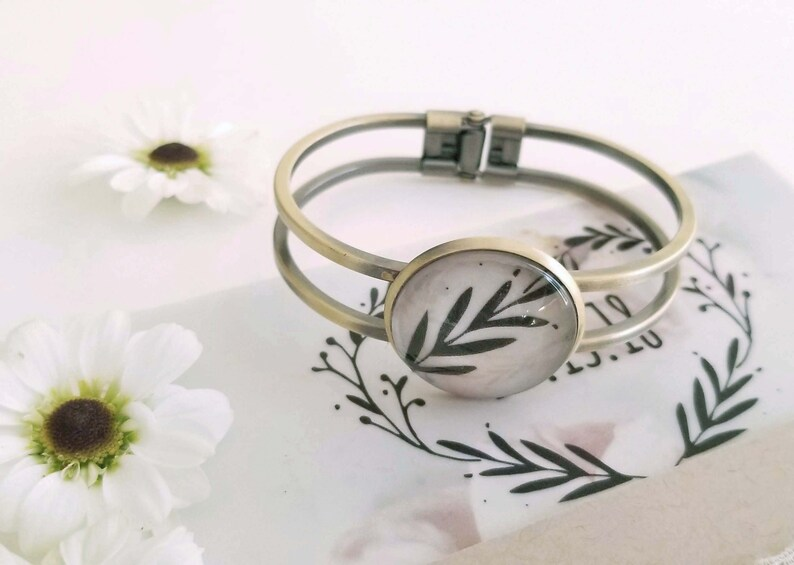 1st Wedding Anniversary Bracelet Customized with Your Wedding image 0