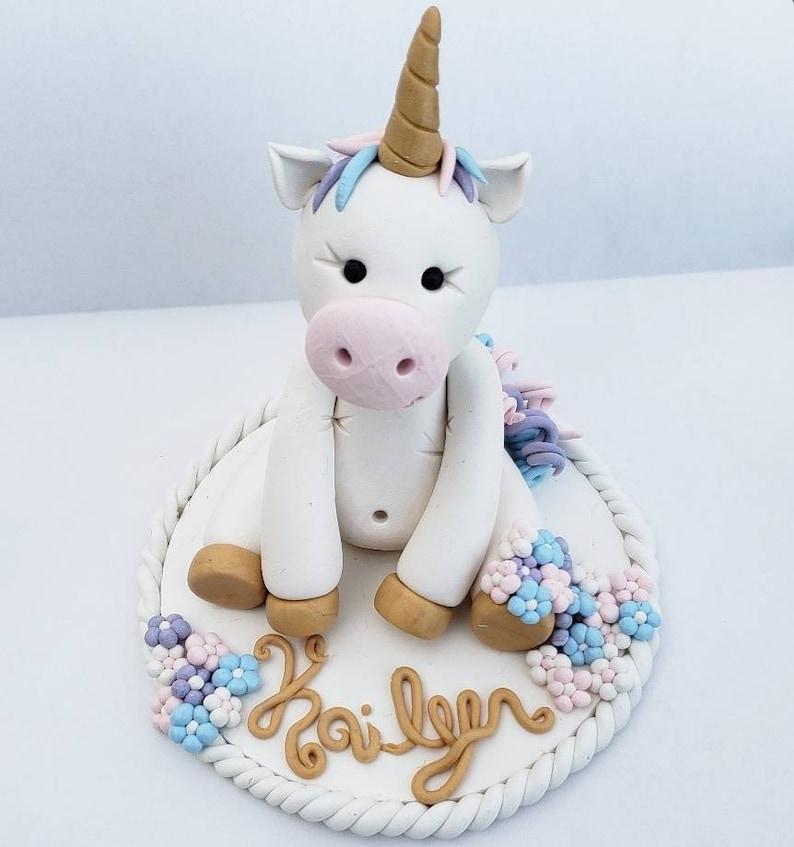Gâteau De Licorne Premier Gâteau Danniversaire Anniversaire De La Licorne De Gâteau Danniversaire Licornes Bébé Topper Gâteau