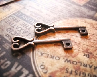 10pcs Key Charms Antique Copper Metal Vintage 26x11mm Jewellery Supplies B28015
