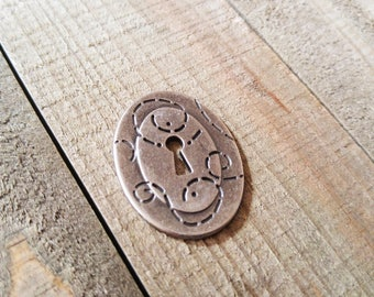 "Keyhole Pendant Cabochon Antiqued Silver Lock Pendant Steampunk Lock Escutcheon Flatback 1.5"""
