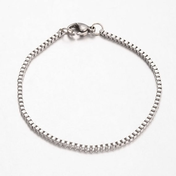 """Charm bracelet blank 8/"""" or 20cm with flower detail clasp  X 1 Silver plated"""