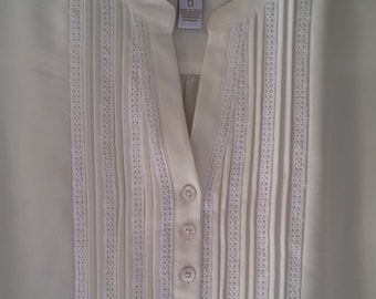 7ebcf71cd CHICO'S Peasant Top/Blouse, Ivory with white trim and Shell buttons Size 0
