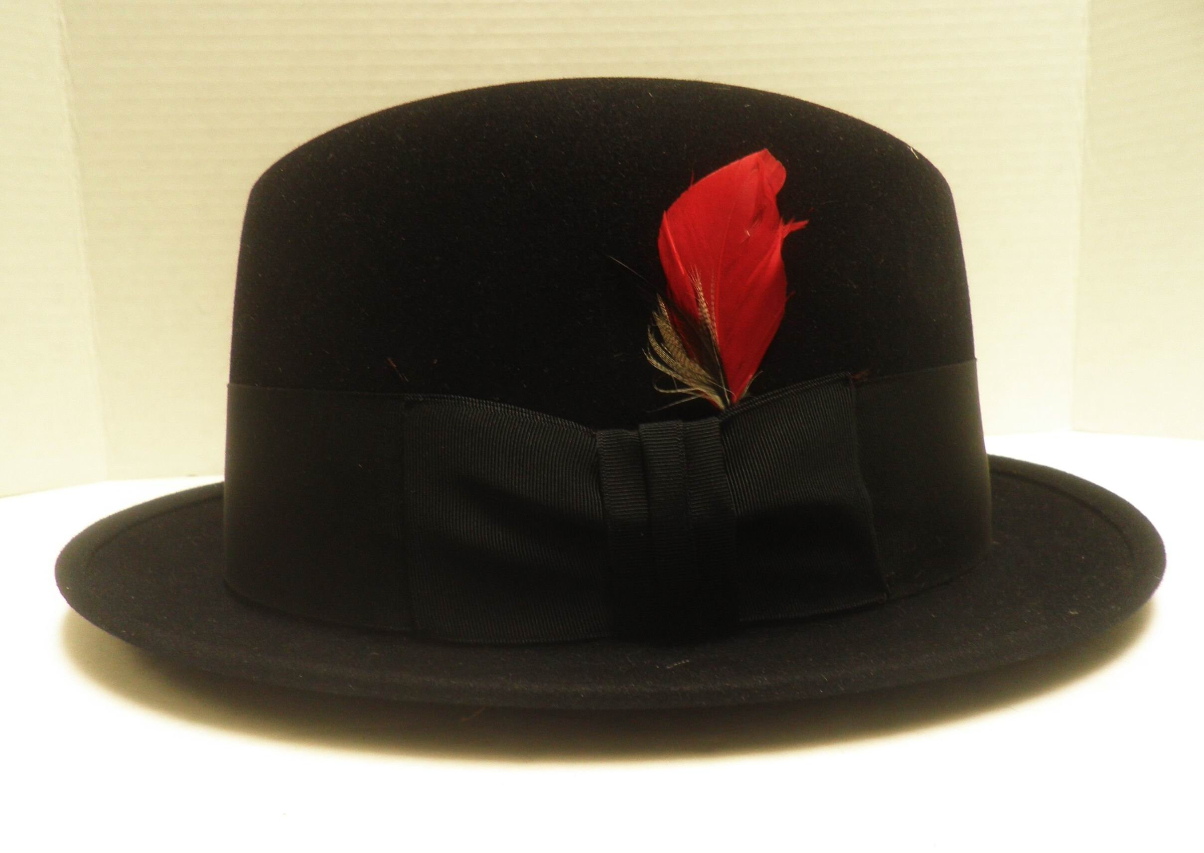 37471a14b6f 1950 s STETSON HOMBURG Black with red feather