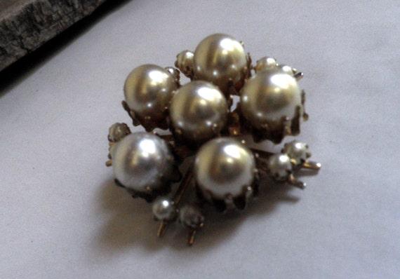 Pearl Brooch, CORO vintage - image 1