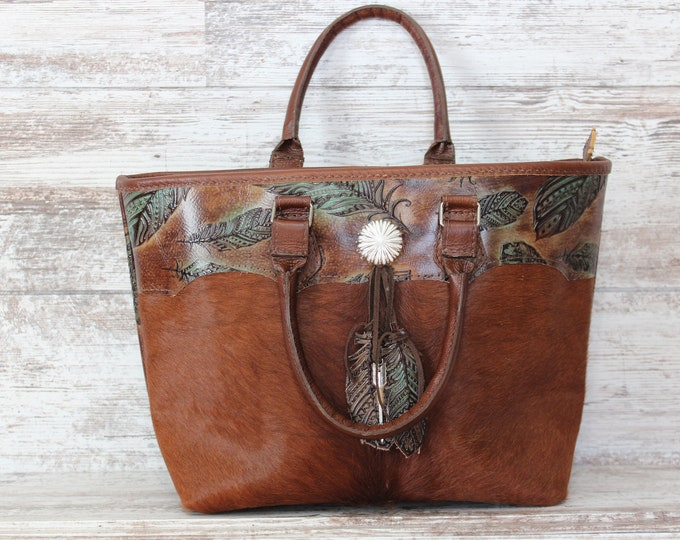 Cowhide  with Feather Embossed Leather Purse