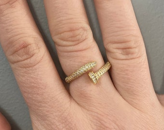 Sparkling Gold Knitting Needle Ring
