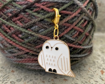 Snowy Owl progress keeper/knit stitch marker