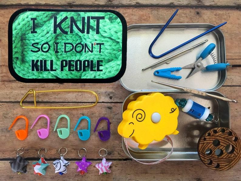 Travel knitting accessory box  miniature scissors needle image 0